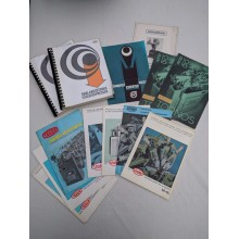 Äldre broschyrblad och handböcker